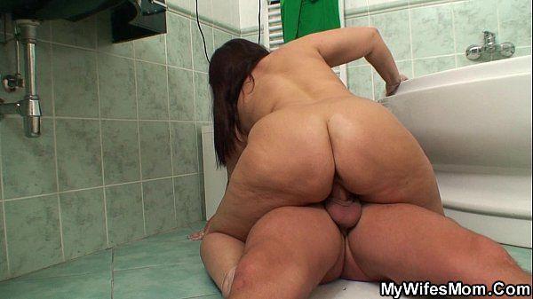 Porno 4g Gordinha Rabuda Gostosa Fodendo Com Desconhecido Em Banheiro Público