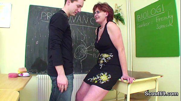 Samba Porno Professor Novinho Comendo Coroa Ruiva Gostosa