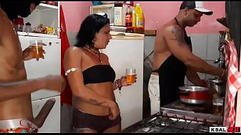 Mulheres Com Peitos Grandes Fazendo Um Porno Violento