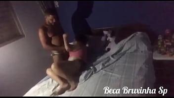 Jantou na casa da sogra  e comeu a namorada e a sogra juntas